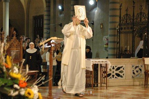 Processione d'ingresso con l'Evangelario