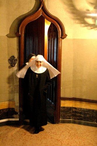 La neoprofessa in abito monastico
