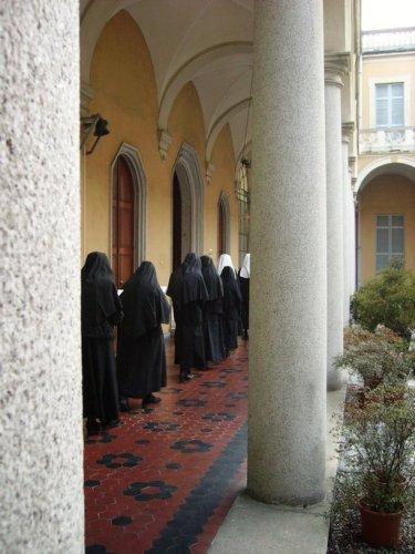 Processione nel chiostro